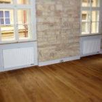 Vybíráme podlahu a dveře do domu či bytu