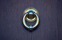 Kování interiérových dveří jsou o designu